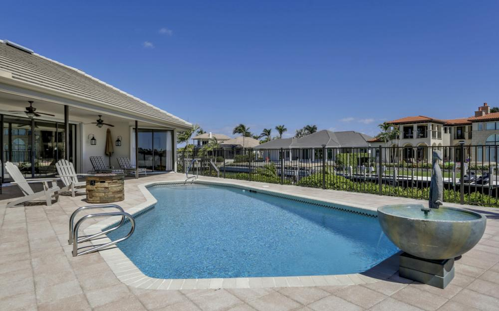 561 Hammock Ct, Marco Island - Home For Sale 2144738440