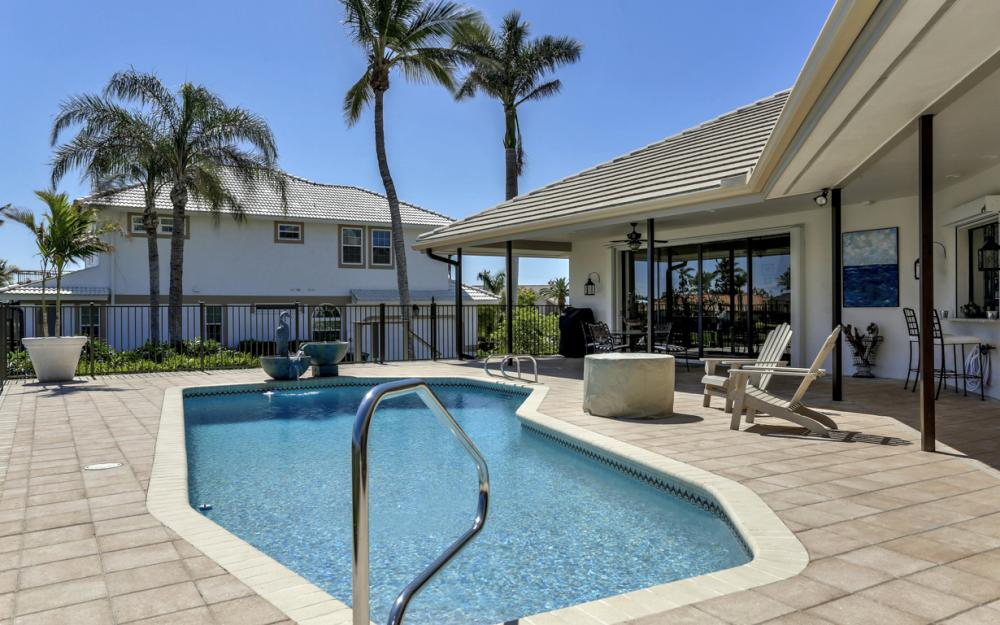 561 Hammock Ct, Marco Island - Home For Sale 823275359