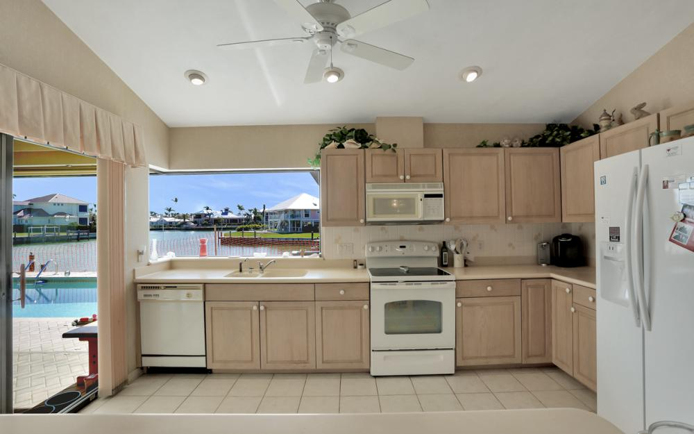 653 Bimini Ave, Marco Island - Home For Sale 2085080997