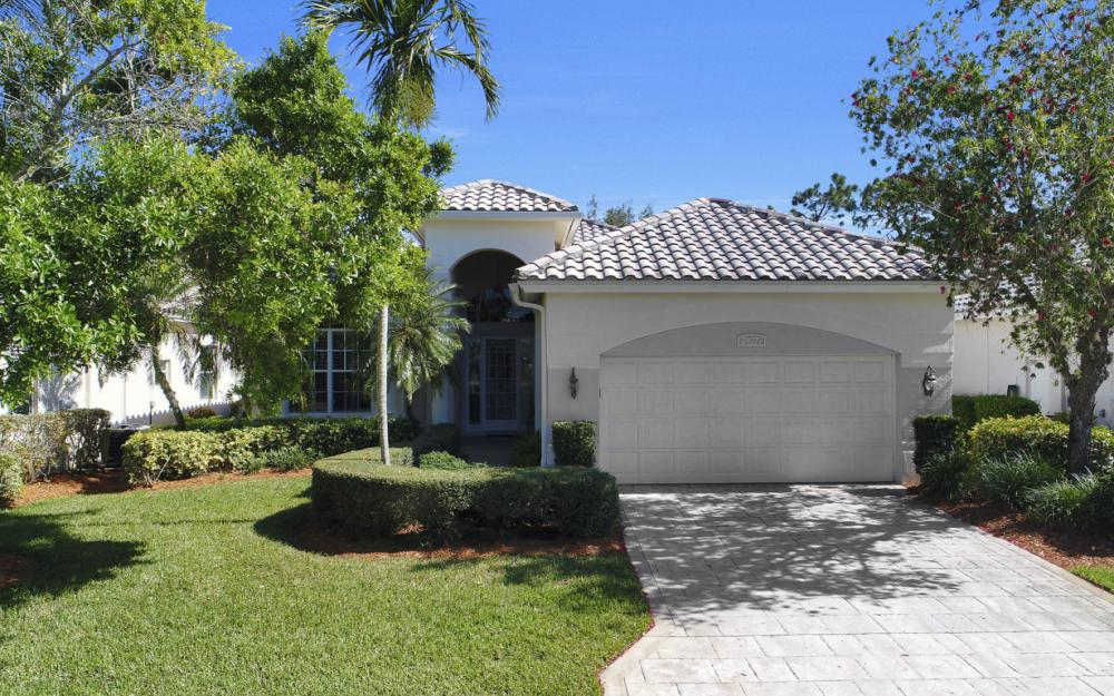 24777 Hollybrier Ln, Bonita Springs - Home For Sale 1132766183