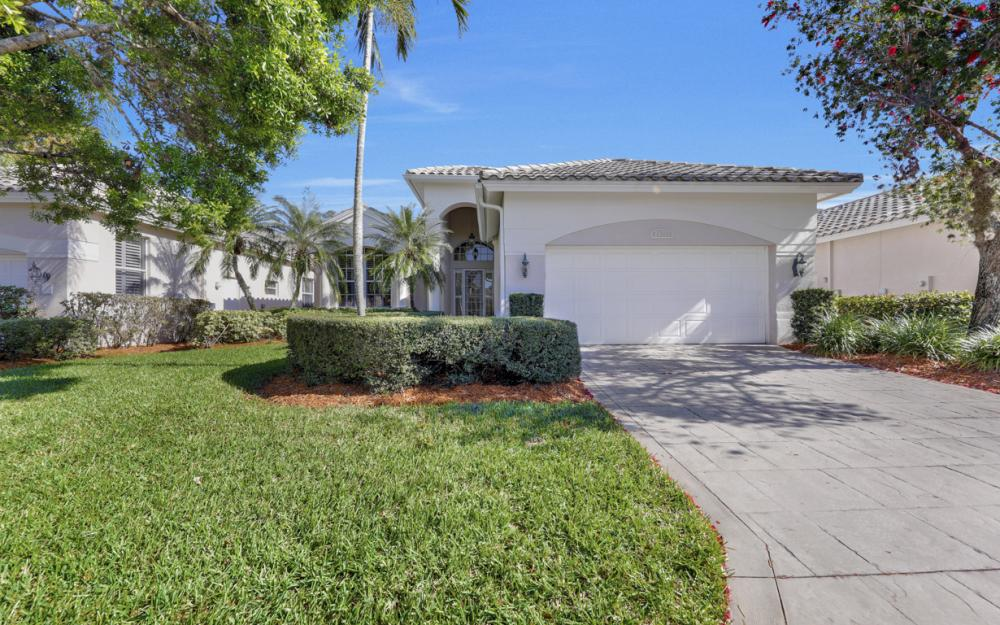 24777 Hollybrier Ln, Bonita Springs - Home For Sale 1782411538