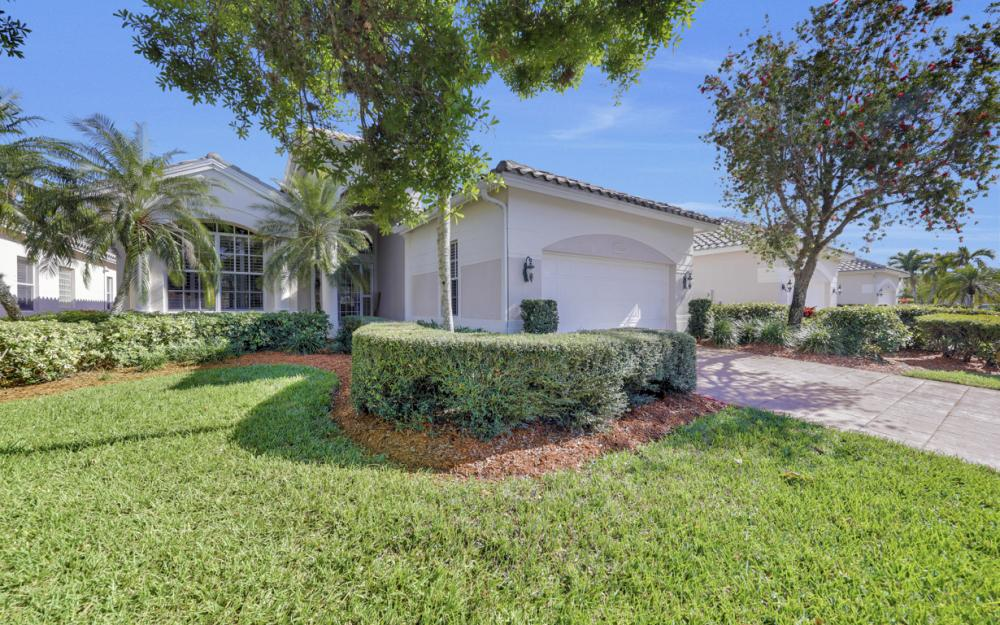 24777 Hollybrier Ln, Bonita Springs - Home For Sale 705424228