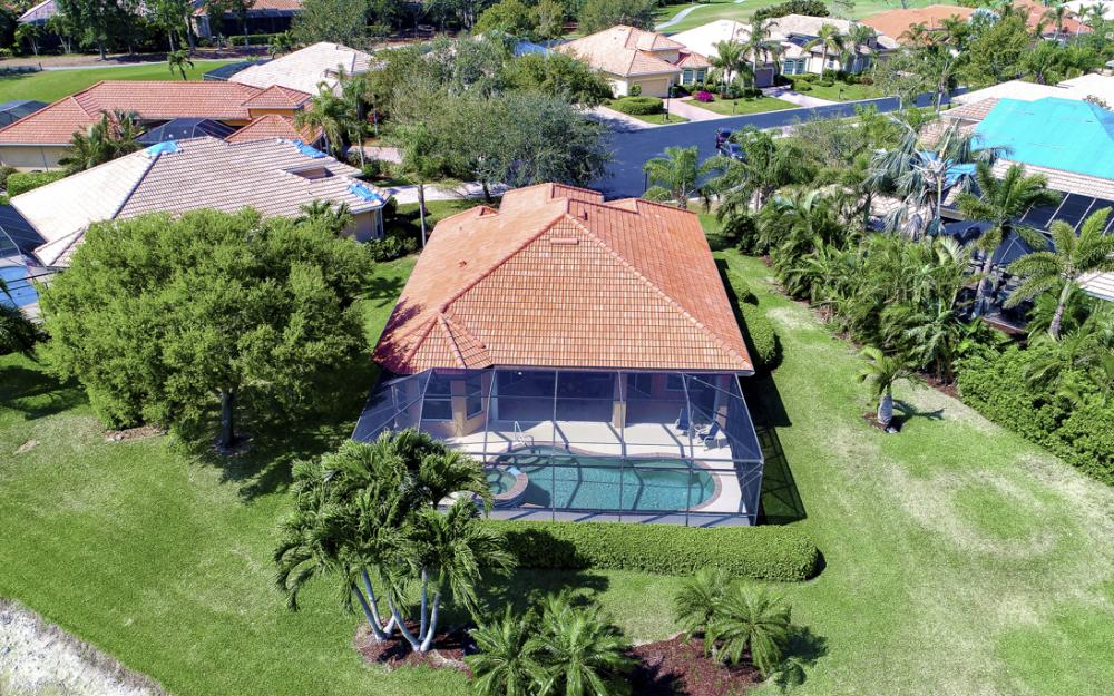 6734 Bent Grass Dr, Naples - Home For Sale 1158758003