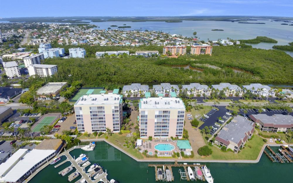 150 Lenell Rd, Fort Myers Beach - Vacation Rental 1051982174