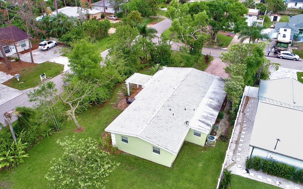 1399 Cooper Dr, Naples - Home For Sale 468651255