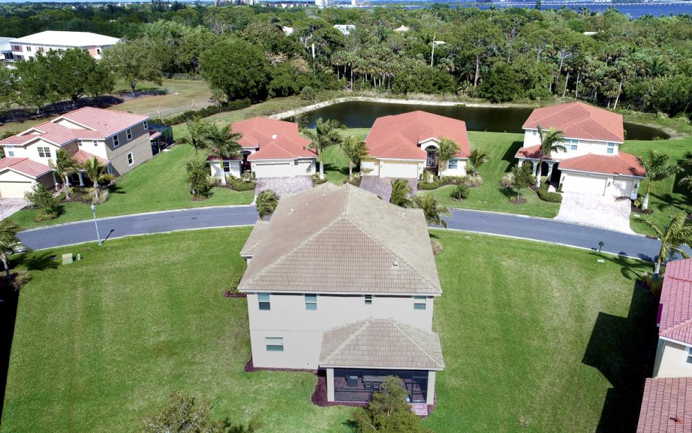 3301 Banyon Hollow Loop, North Fort Myers - Home For Sale 1946859398