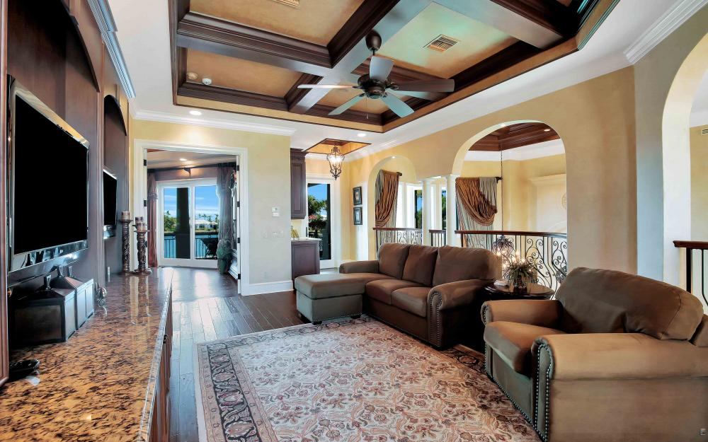 503 Kendall Dr, Marco Island - Home For Sale 270084980