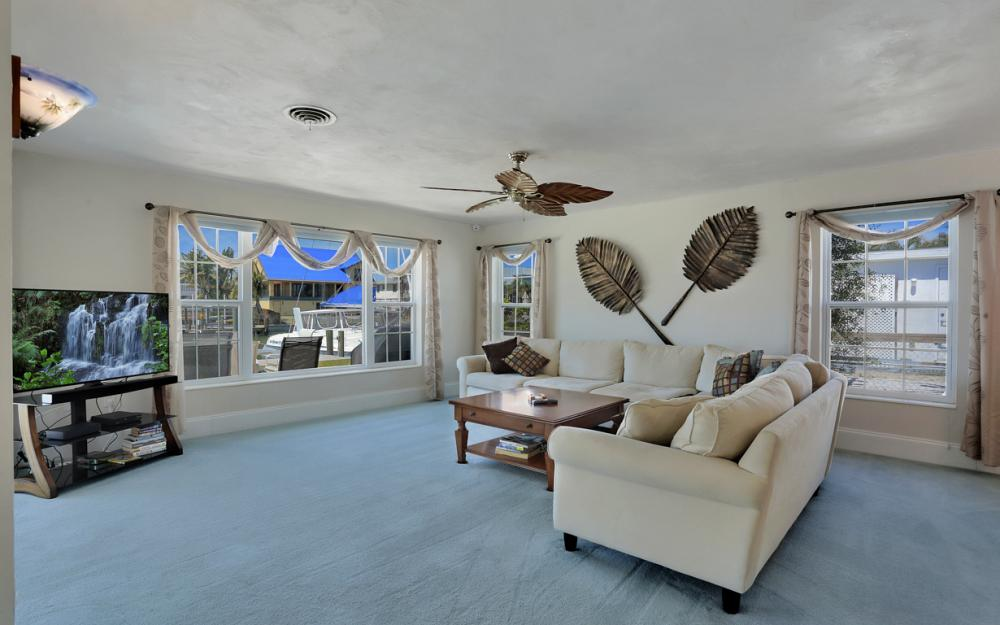 18244 Cutlass Dr, Fort Myers Beach - Home For Sale 614738860