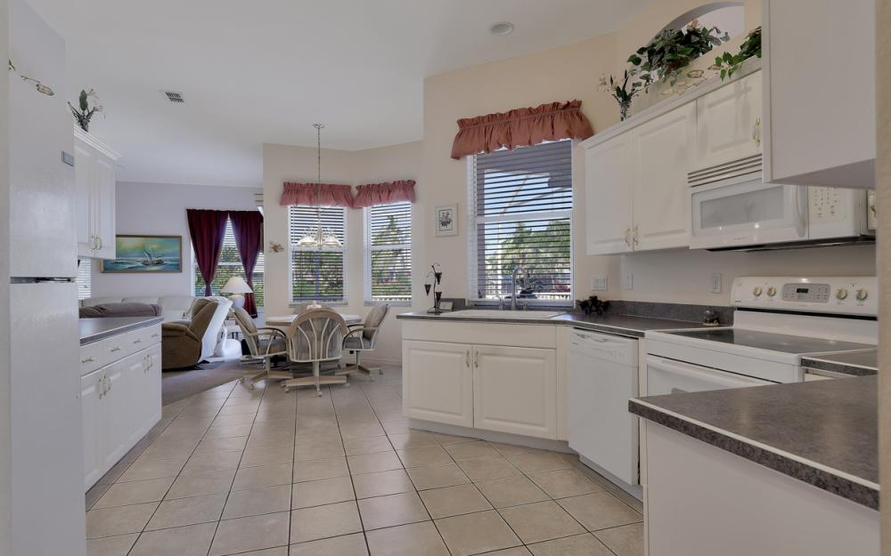 5681 Harborage Dr, Fort Myers - Home For Sale 1349106645