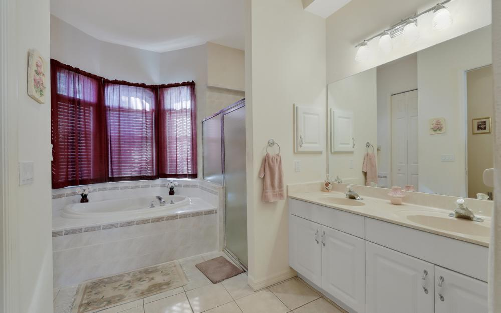 5681 Harborage Dr, Fort Myers - Home For Sale 1063895634