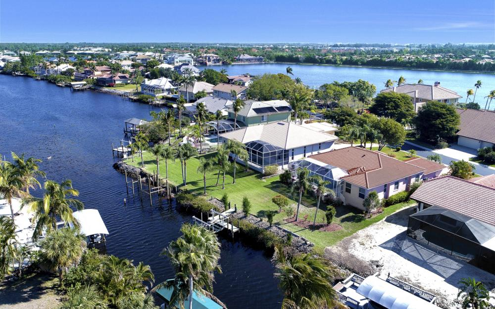 5681 Harborage Dr, Fort Myers - Home For Sale 1834185449