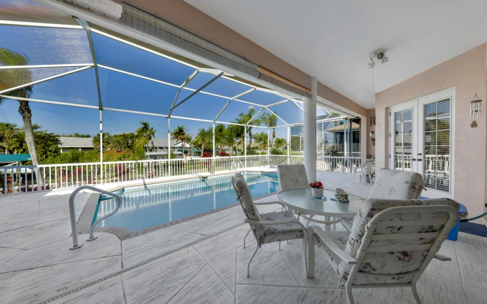 5681 Harborage Dr, Fort Myers - Home For Sale 1622995101