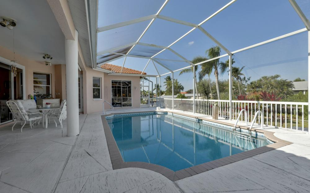 5681 Harborage Dr, Fort Myers - Home For Sale 411765390