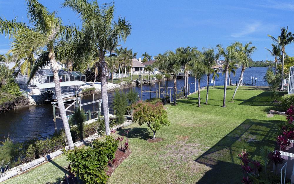 5681 Harborage Dr, Fort Myers - Home For Sale 2011027197