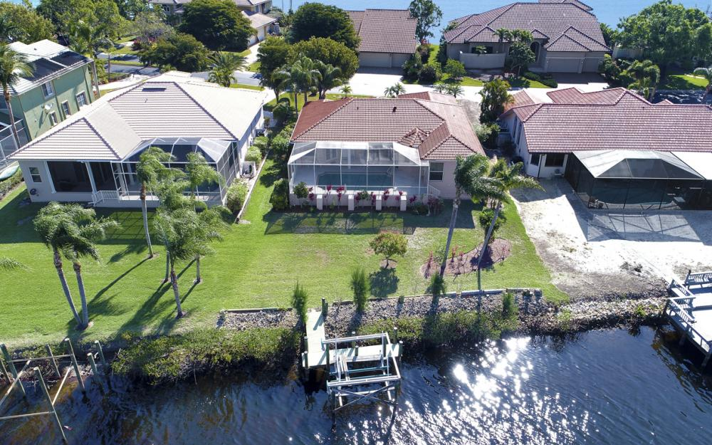 5681 Harborage Dr, Fort Myers - Home For Sale 1937525552