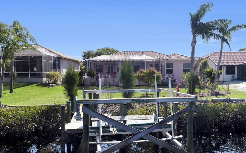 5681 Harborage Dr, Fort Myers - Home For Sale 892065810
