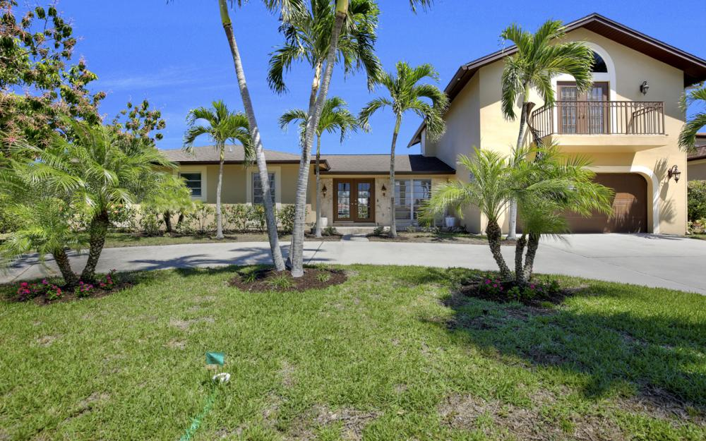 807 Fairlawn Ct, Marco Island - Home For Sale 590314000