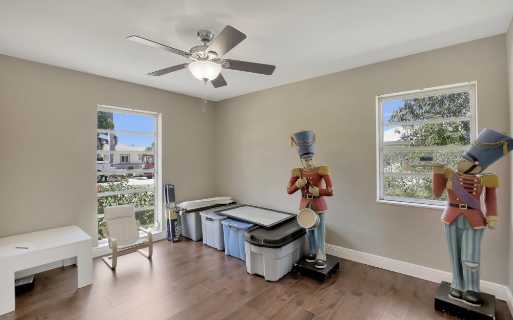 807 Fairlawn Ct, Marco Island - Home For Sale 1906007679