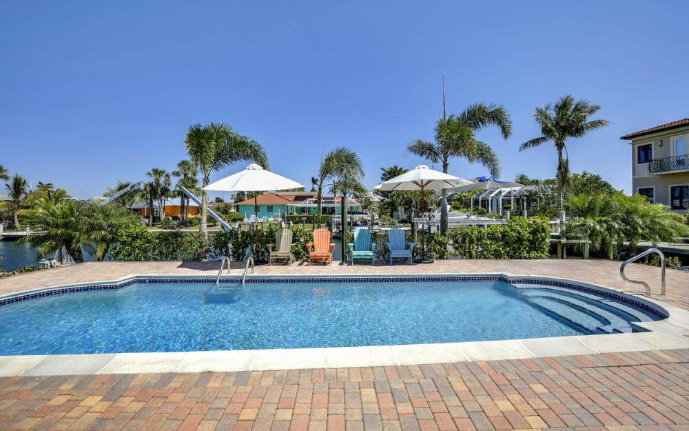 807 Fairlawn Ct, Marco Island - Home For Sale 371366918