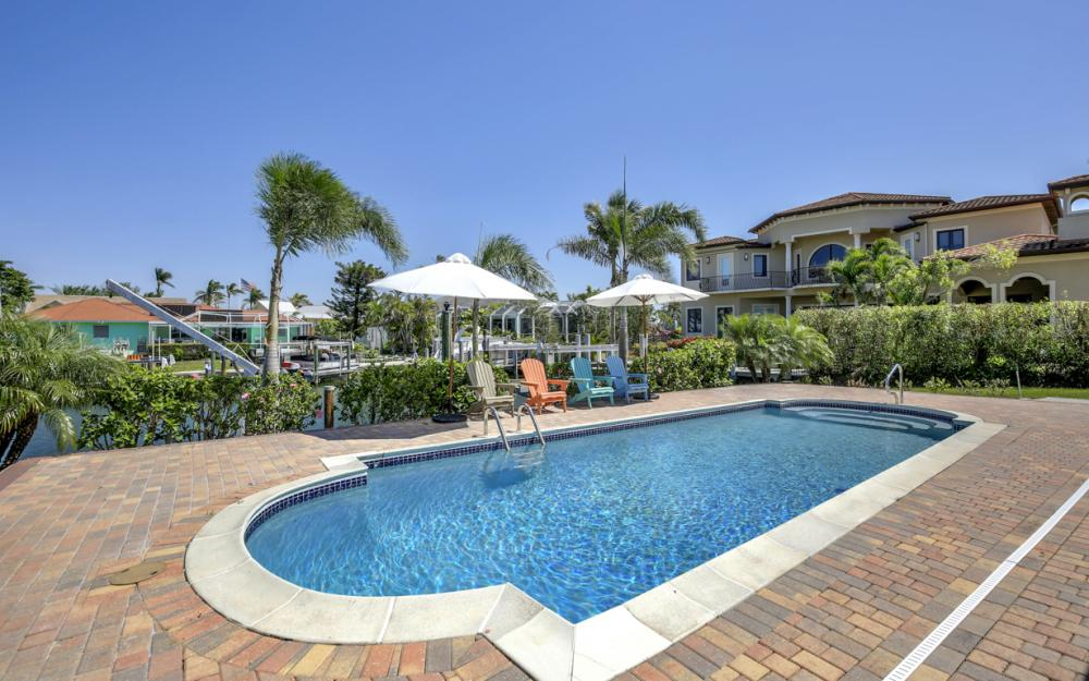 807 Fairlawn Ct, Marco Island - Home For Sale 18722315
