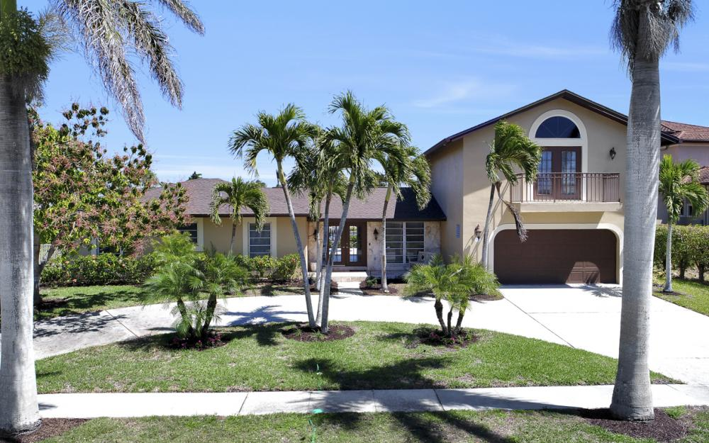 807 Fairlawn Ct, Marco Island - Home For Sale 353750255
