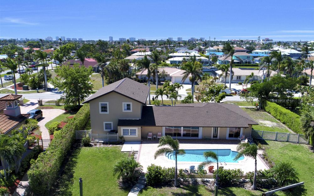 807 Fairlawn Ct, Marco Island - Home For Sale 589338357