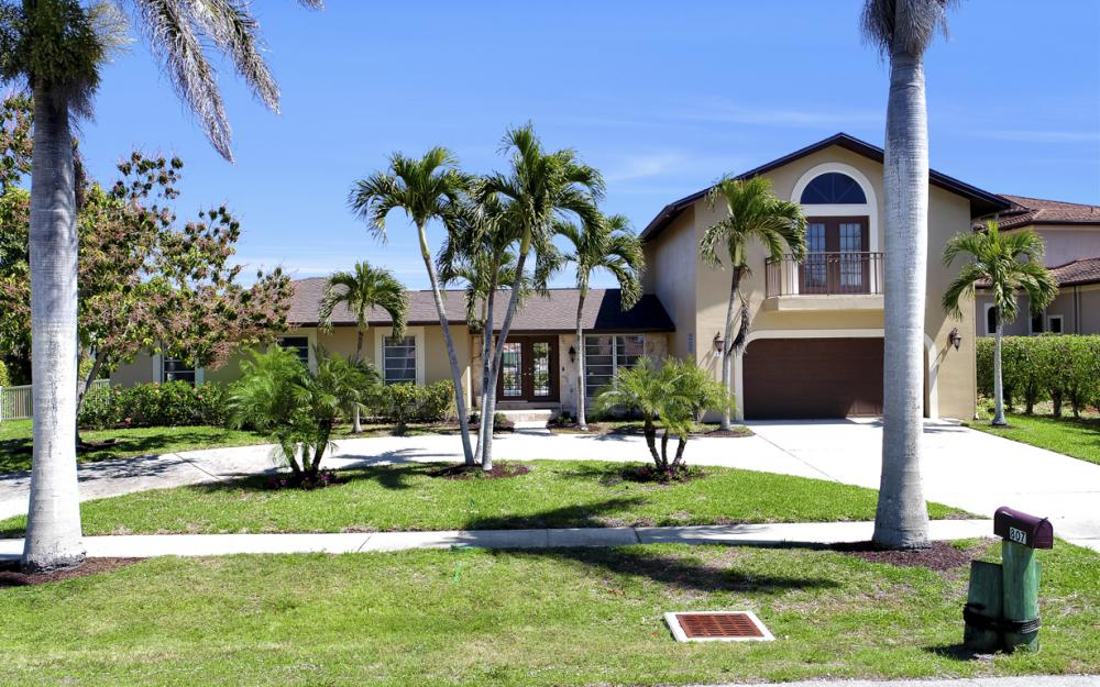 807 Fairlawn Ct, Marco Island - Home For Sale 453537628