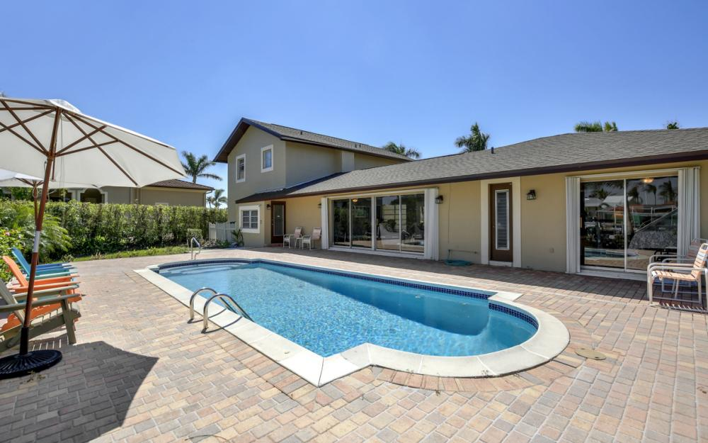 807 Fairlawn Ct, Marco Island - Home For Sale 8439590