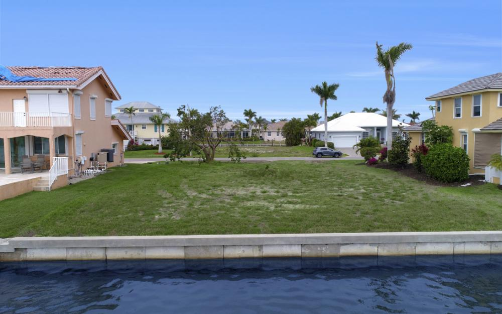 129 S Seas Ct, Marco Island - Lot For Sale 1832152542