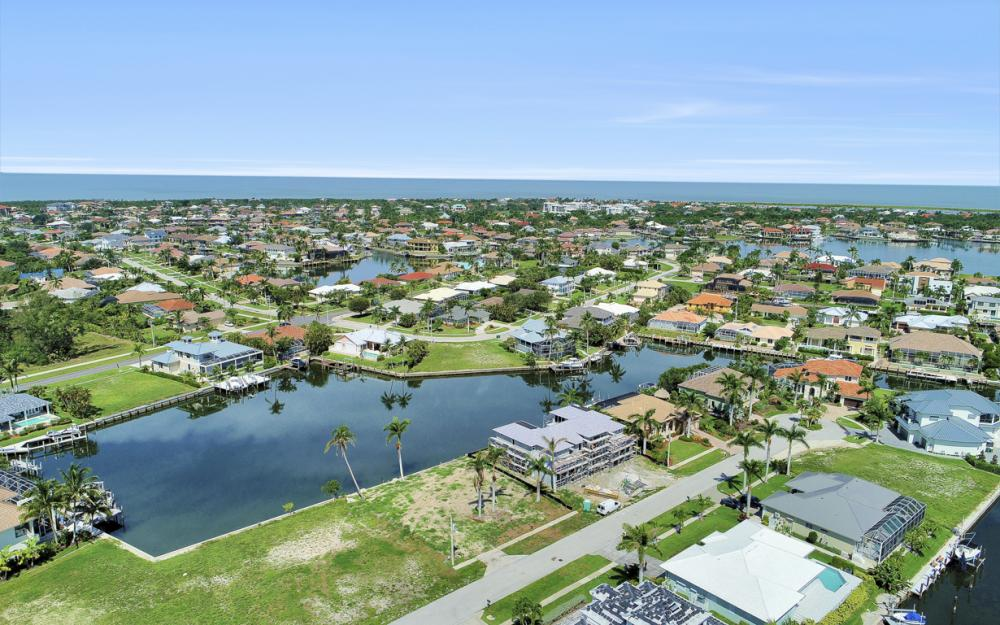 685 Cameo Ct, Marco Island - Lot For Sale 1898350376