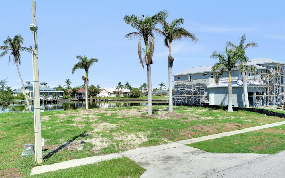685 Cameo Ct, Marco Island - Lot For Sale 871484956