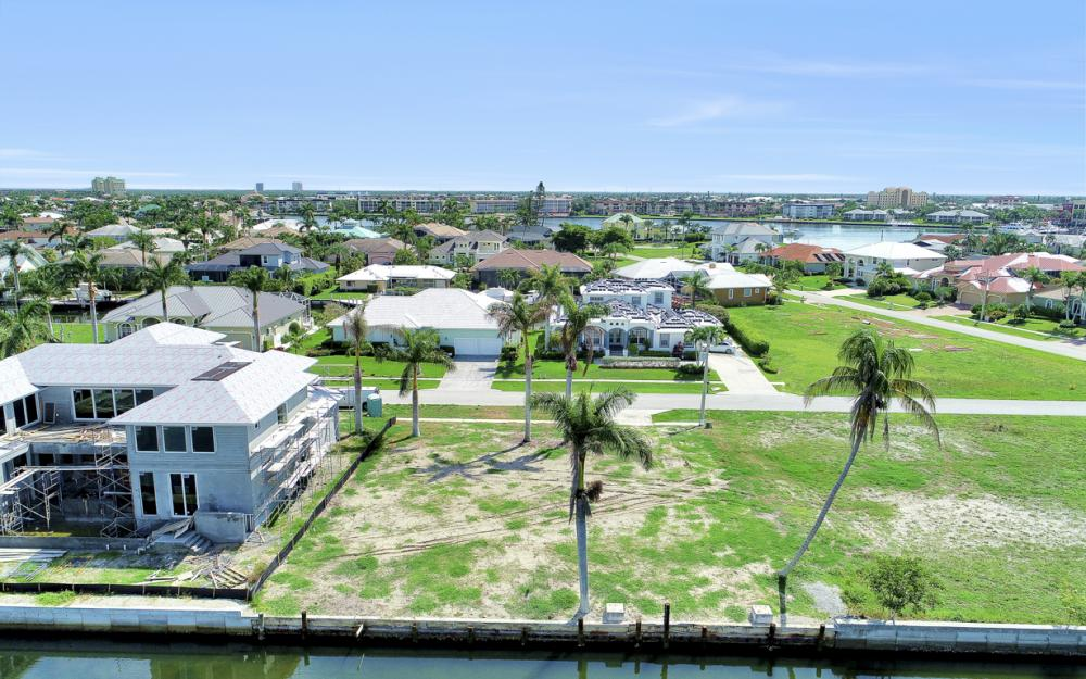 685 Cameo Ct, Marco Island - Lot For Sale 1048147654