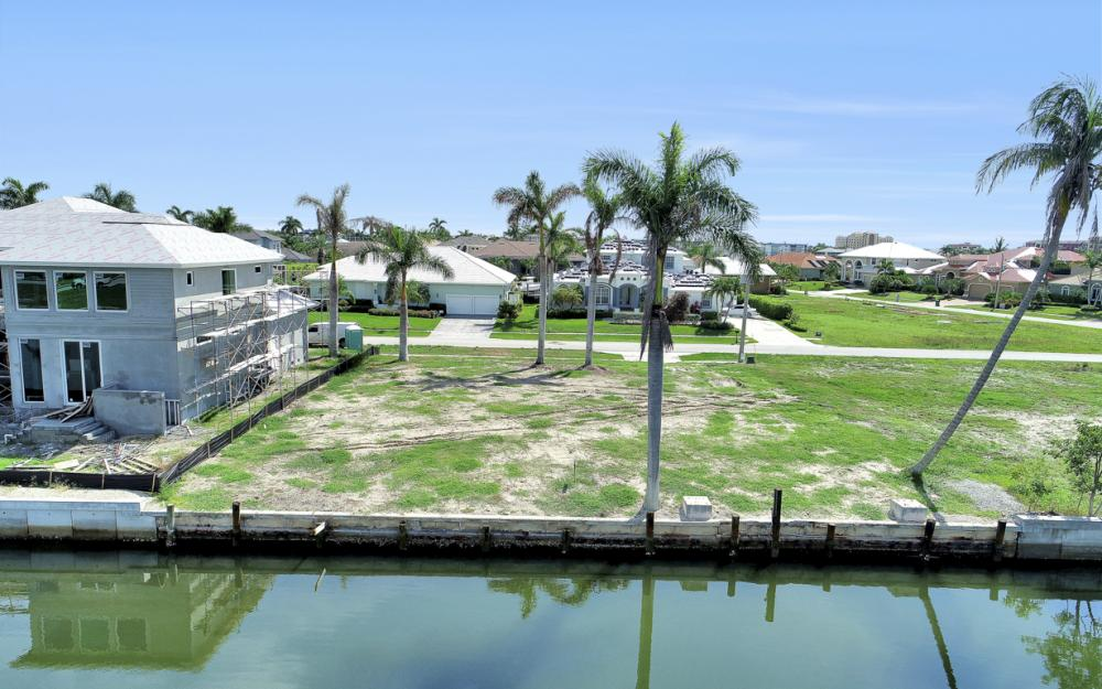 685 Cameo Ct, Marco Island - Lot For Sale 1817471688