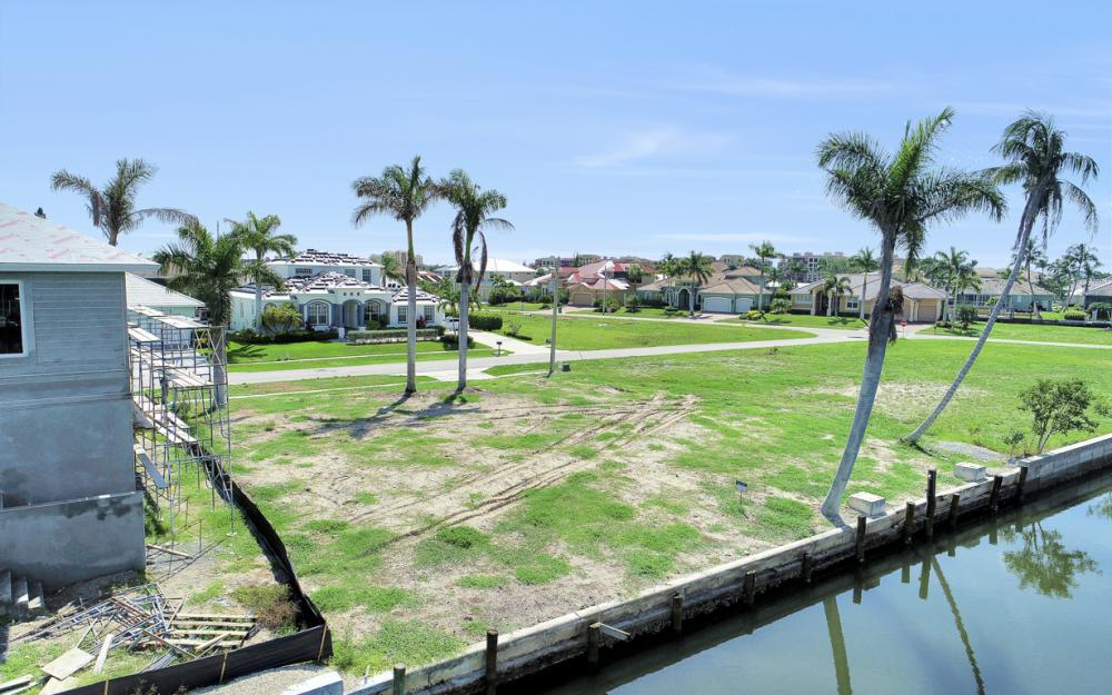 685 Cameo Ct, Marco Island - Lot For Sale 1355117470