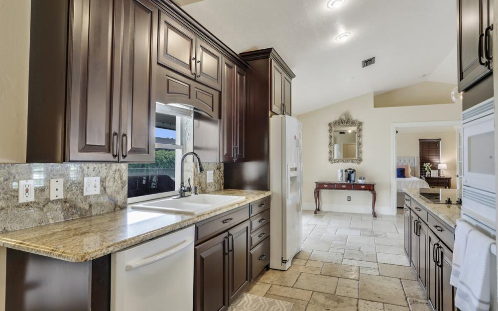 1561 Honeysuckle Ave, Marco Island - Home For Sale 1132829894