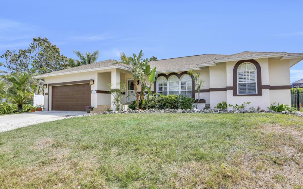 1561 Honeysuckle Ave, Marco Island - Home For Sale 388846429