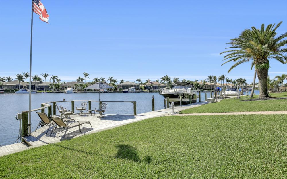 5611 Merlyn Ln, Cape Coral - Home For Sale 525586839