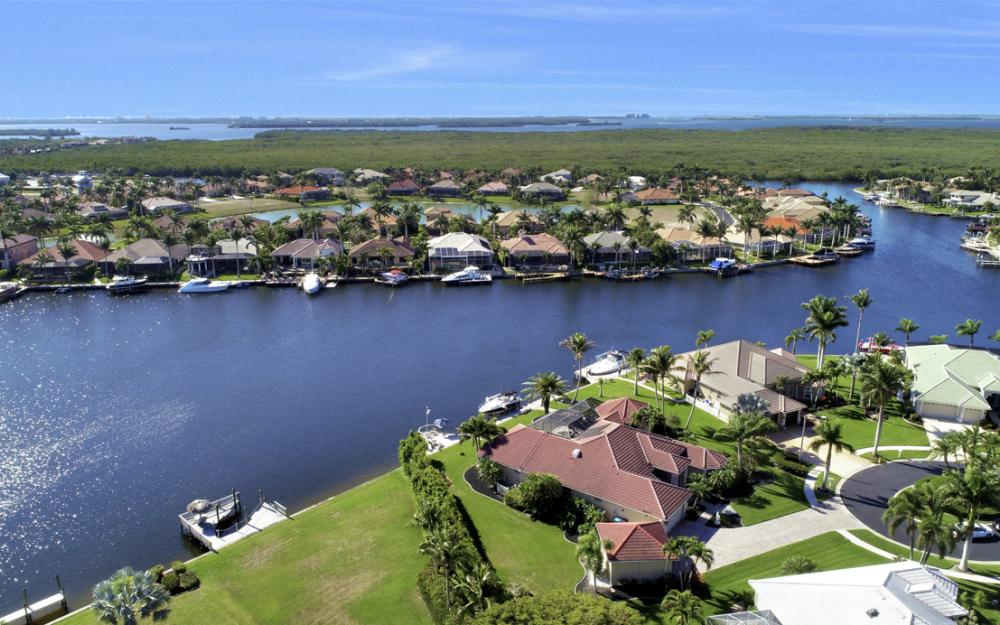 5611 Merlyn Ln, Cape Coral - Home For Sale 800010653