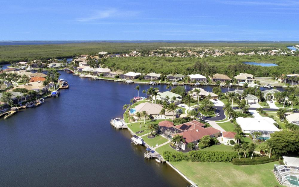 5611 Merlyn Ln, Cape Coral - Home For Sale 1063366317