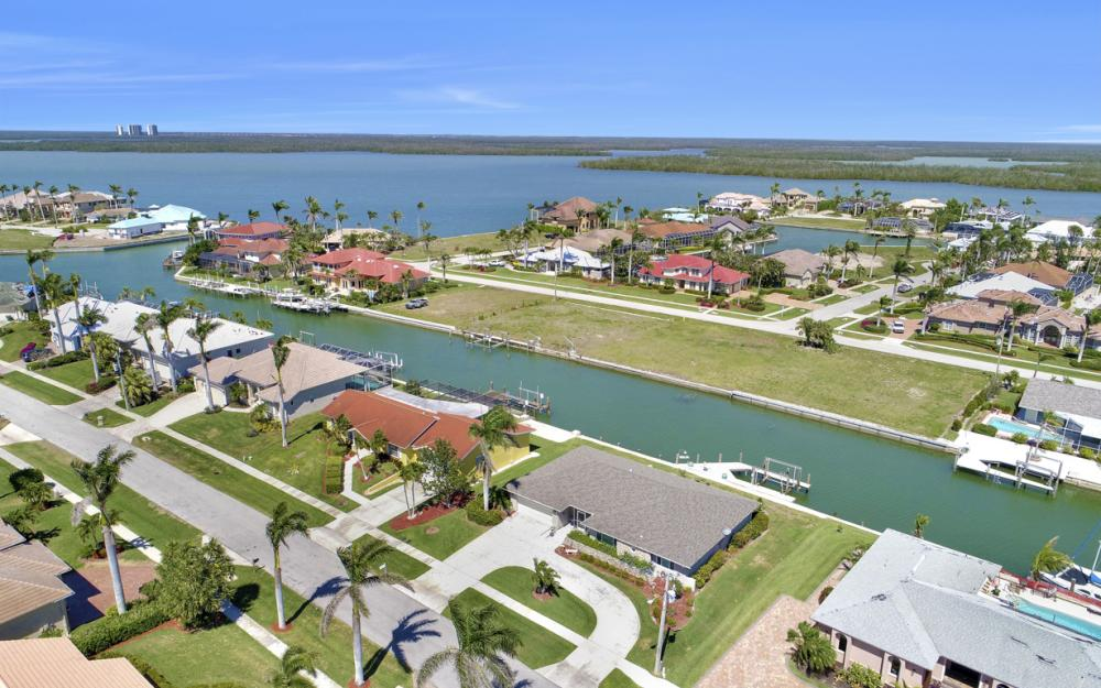 213 Windbrook Ct, Marco Island - Home For Sale 694243706