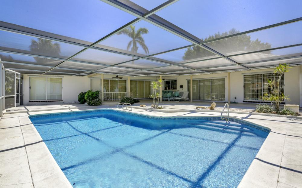 8430 Riviera Ave, Fort Myers - Home For Sale 727588315