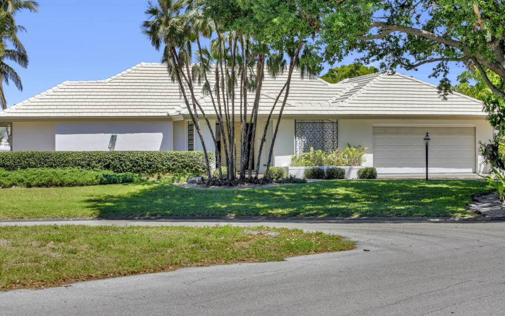 8430 Riviera Ave, Fort Myers - Home For Sale 846925029
