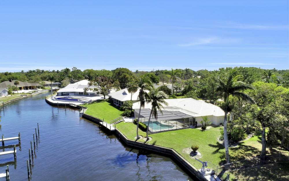 8430 Riviera Ave, Fort Myers - Home For Sale 2087206315