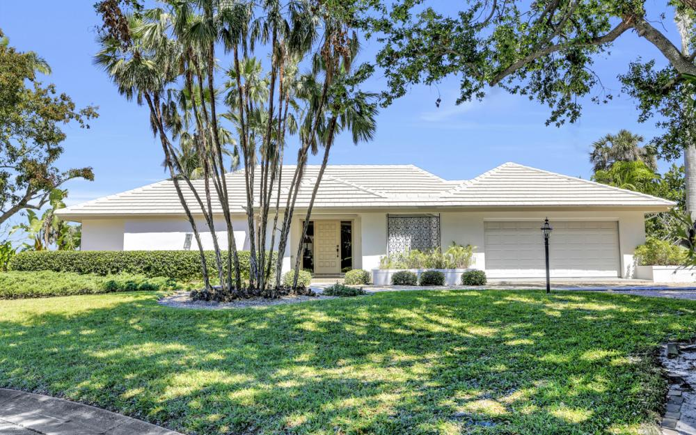 8430 Riviera Ave, Fort Myers - Home For Sale 976787904