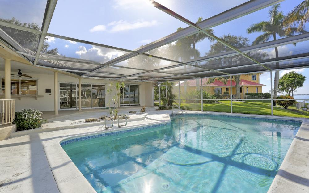 8430 Riviera Ave, Fort Myers - Home For Sale 1262231310