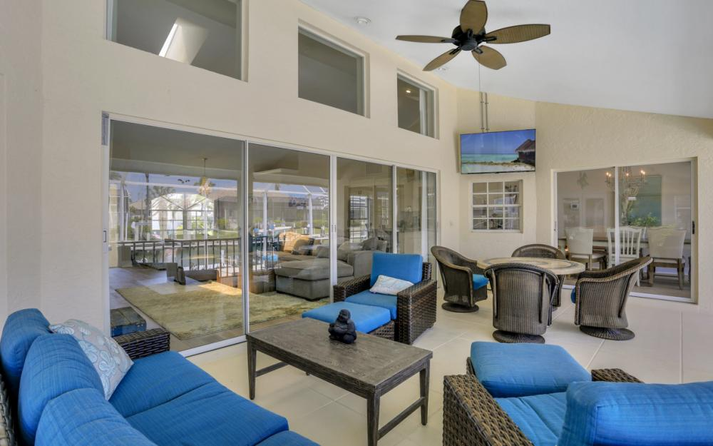 390 Henderson Ct, Marco Island -  Home For Sale 722448067