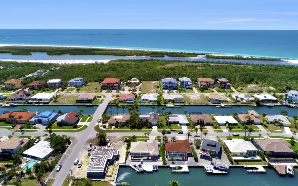 390 Henderson Ct, Marco Island -  Home For Sale 810359417