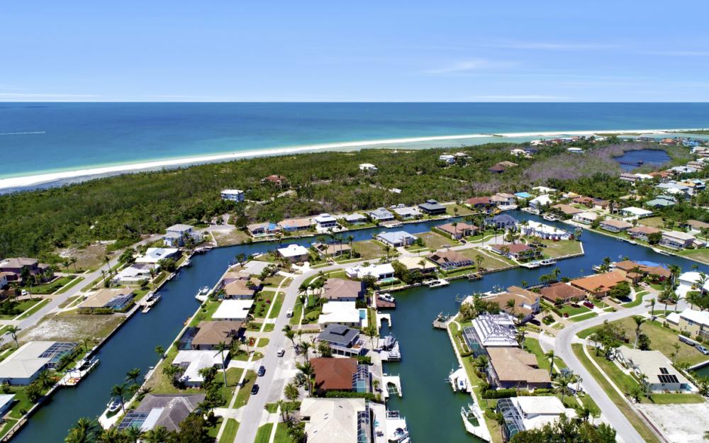 390 Henderson Ct, Marco Island -  Home For Sale 1517034757