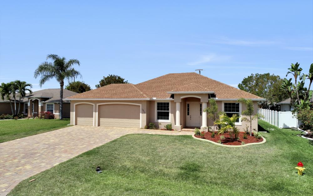 1935 SW 37th Ter, Cape Coral - Home For Sale 188991656