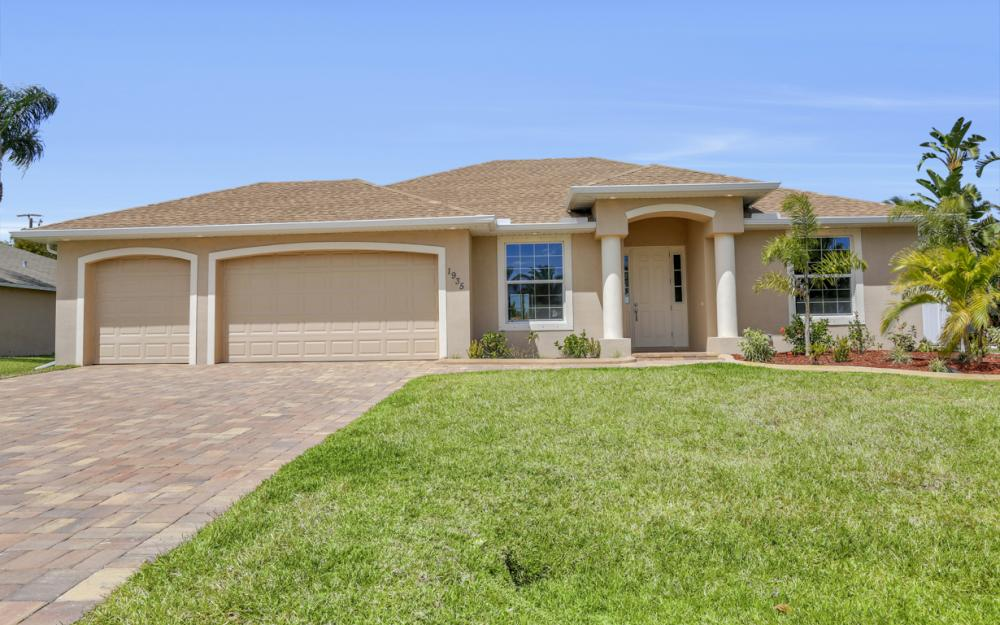 1935 SW 37th Ter, Cape Coral - Home For Sale 535882887